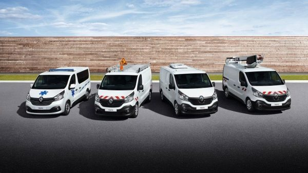 renault-professionnels-carrosses-002.jpg.ximg.l_6_m.smart.jpg
